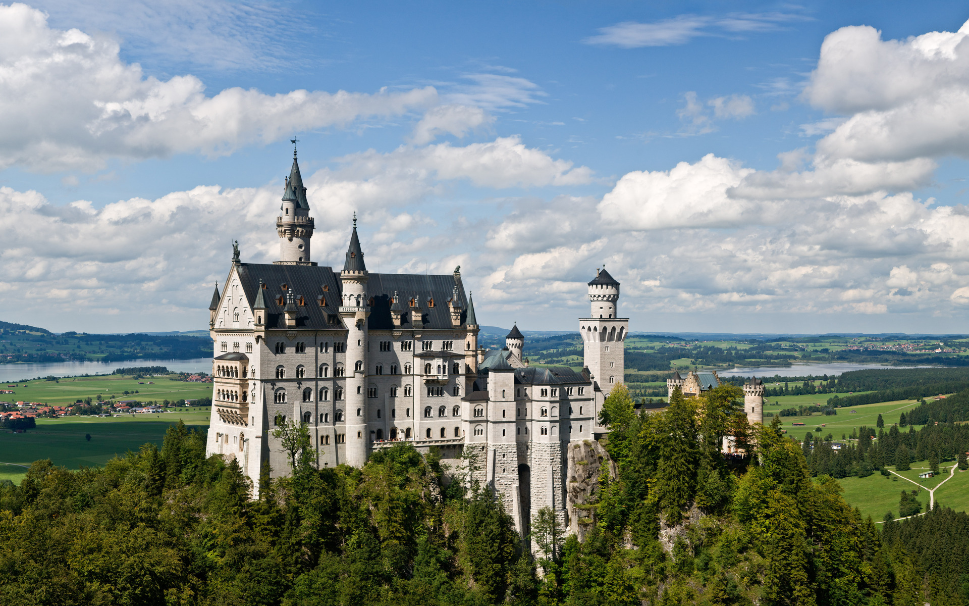 neuschwanstein castle by desktop wallpaper. Black Bedroom Furniture Sets. Home Design Ideas