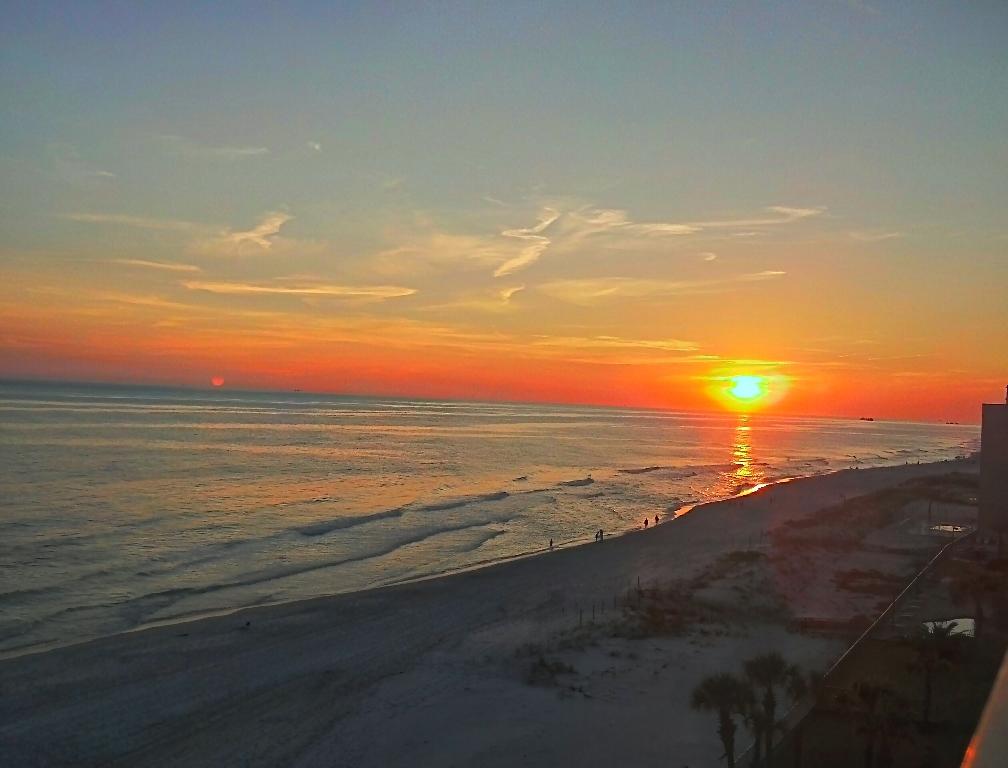 Sunset Gulf Shores - Desktop Wallpaper: www.socwall.com/desktop-wallpaper/57128/sunset-gulf-shores
