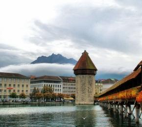 Chapel Bridge, Lucerne, Switzerland  № 1473315 бесплатно