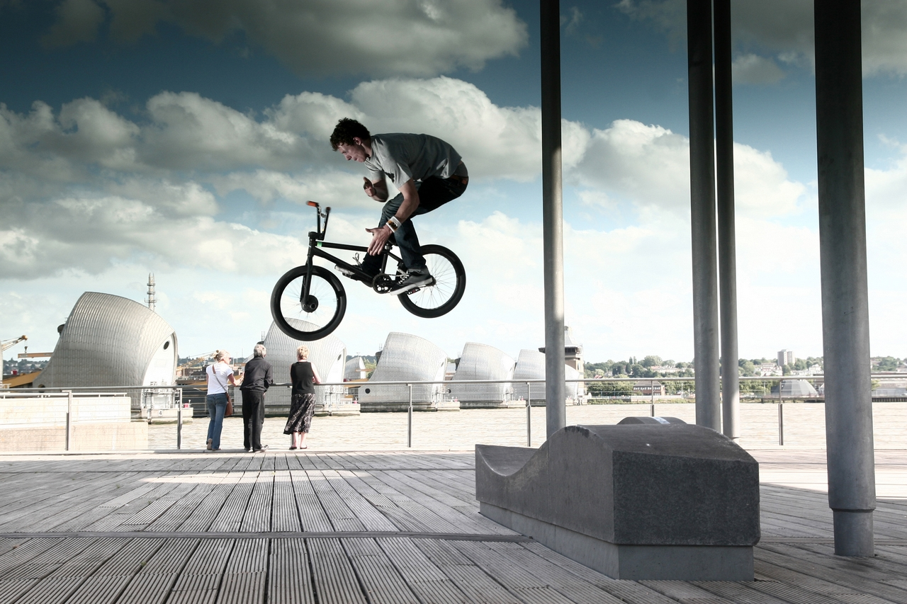 How to Barspin on a BMX